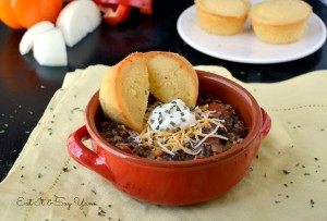 Hearty Chili with Cornbread Muffins