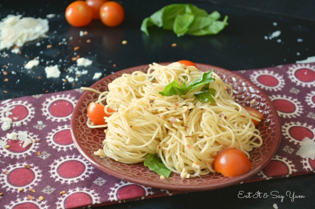 Midnight Spaghetti from Eat It & Say Yum- so fast and easy!