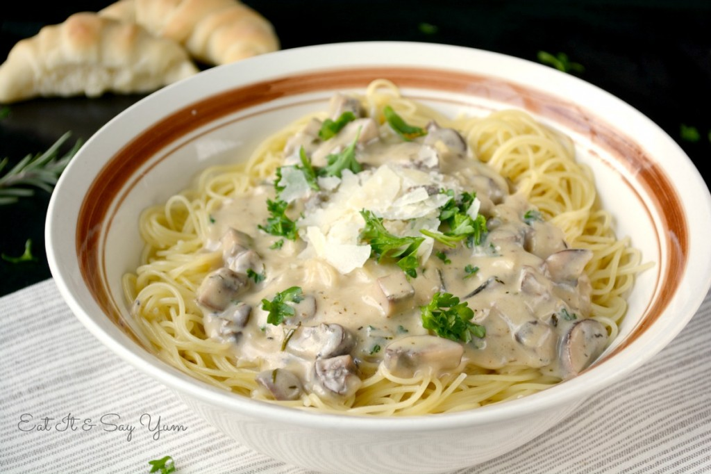 Rustic Mushroom and Garlic Pasta 447