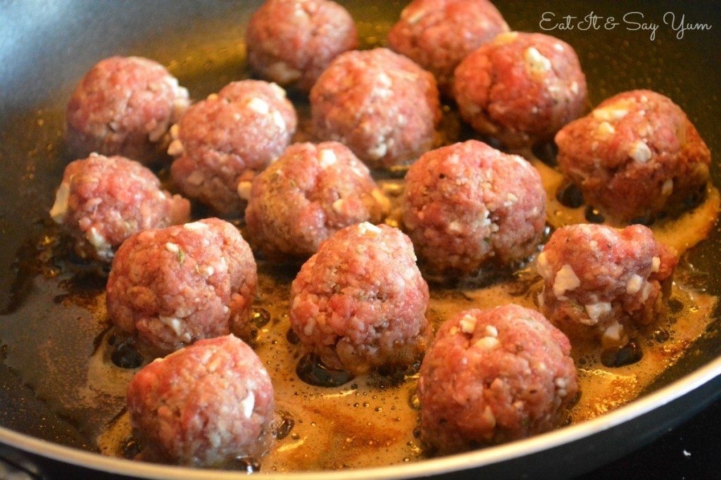 Cooking Cheese Meatballs 494