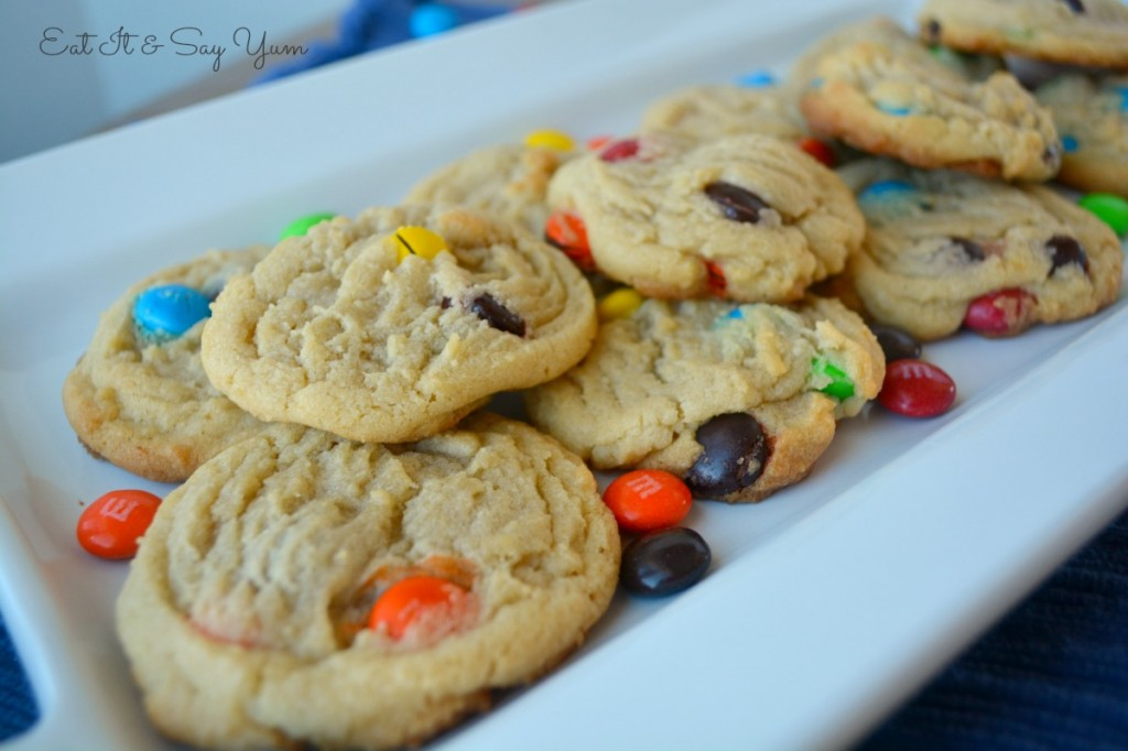 Soft and Chewy M&M cookies 684
