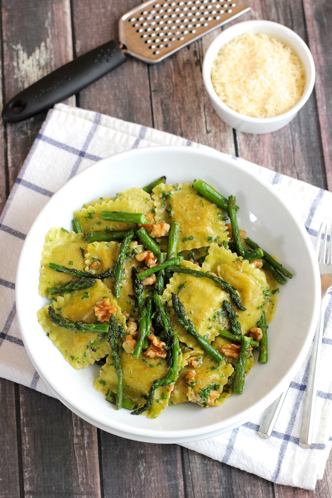 Ravioli-with-sauteed-asparagus-and-walnuts1