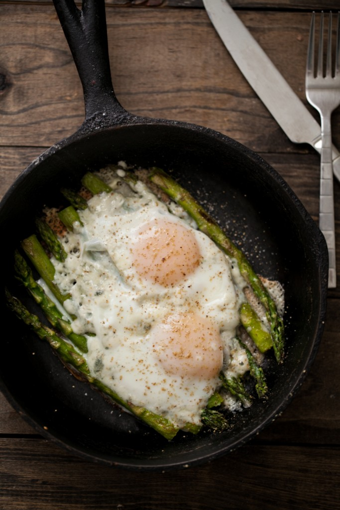 asparagus with eggs- naturallyella