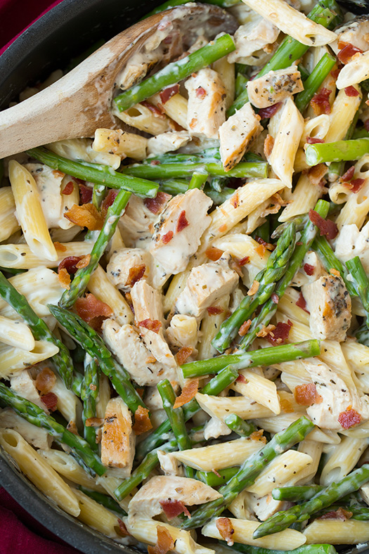 cream-chicken-and-asparagus-pasta-