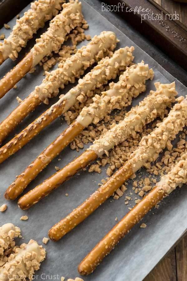 Biscoff-Toffee-Pretzel-Rods-2-of-7w